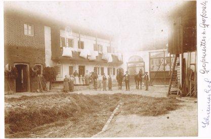Historisches Bild vom Innenhof